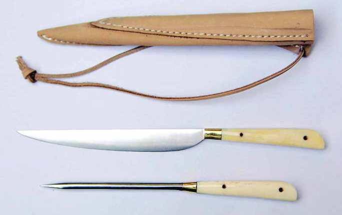 Mittelaltermesser und Essdorn mit Beingriff