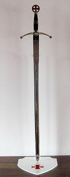 Templerschwert mit Schwertständer