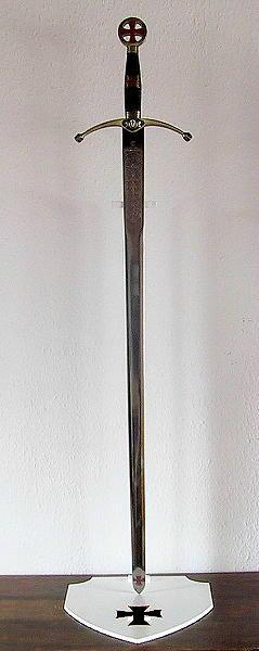 Bild Nr. 2 Schwertständer Ritterorden ein Schwert