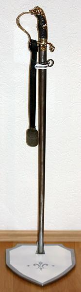 Templer-Schwertständer für ein Schwert Abb. Nr. 1
