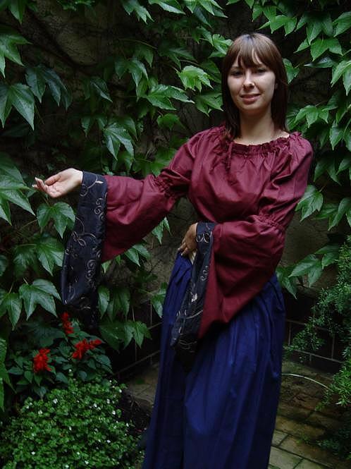 Mittelalter Bluse rot schwarz