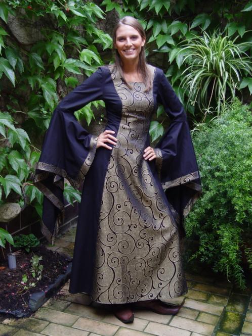 Susanne schwarz, Mittelaltergewand