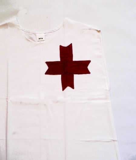 Bild Nr. 2 Tunkia weiß mit rotem Kreuz