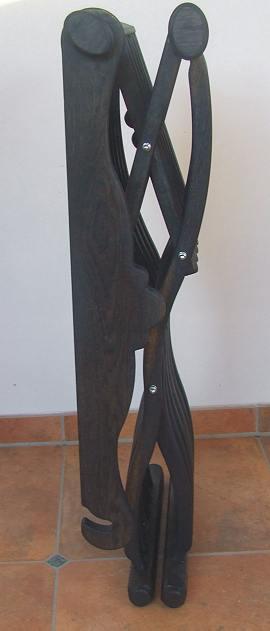 Bild Nr. 4 Scherenstuhl Mooreiche mit Rückenlehne