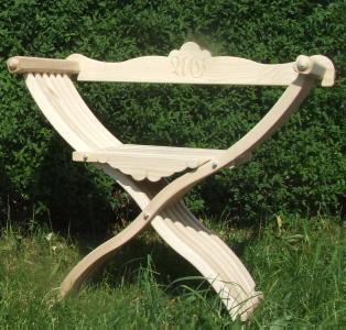 Bild Nr. 3 Scherenstuhl mit modernisierter Rückenlehne