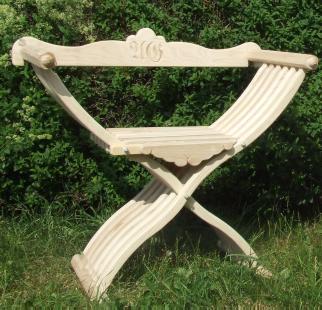Bild Nr. 4 Scherenstuhl mit modernisierter Rückenlehne