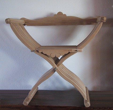 Bild Nr. 2 Scherenstuhl mit Rückenlehne