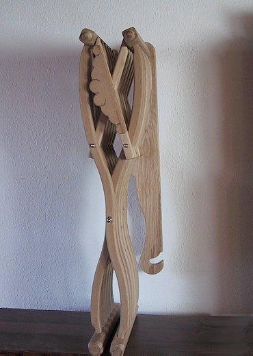 Bild Nr. 4 Scherenstuhl mit Rückenlehne