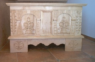 geschnitzte Truhe 17. Jahrhundert