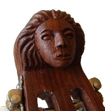 Bild Nr. 2 Gitarrenlaute mit Koffer
