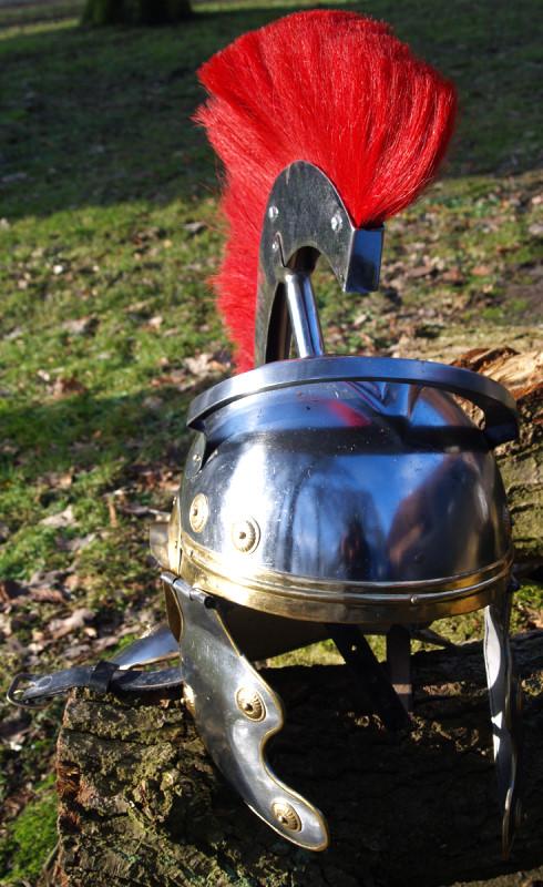 Bild Nr. 2 Römer Offiziers Helm