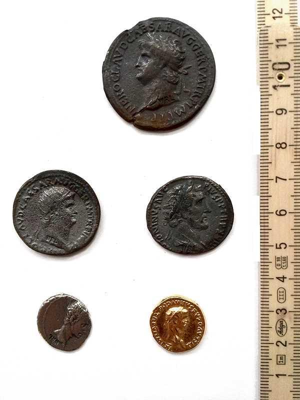 Bild Nr. 2 Fünf Römische Münzen Münzbeutel