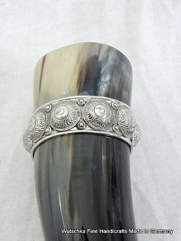 Bild Nr. 2 Trinkhorn 0,4 Liter Zinnband